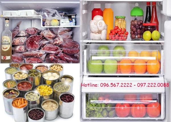 Đặt thực phẩm cần đông lạnh vào hộp inox