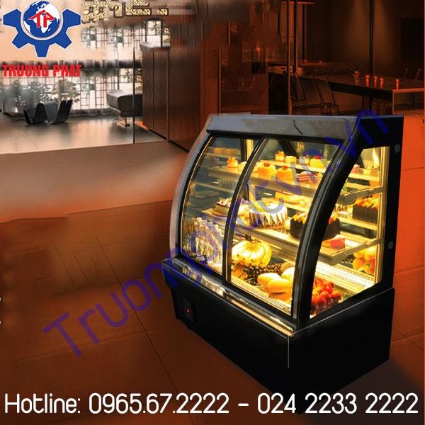 Vệ sinh tủ trưng bày bánh kem thường xuyên