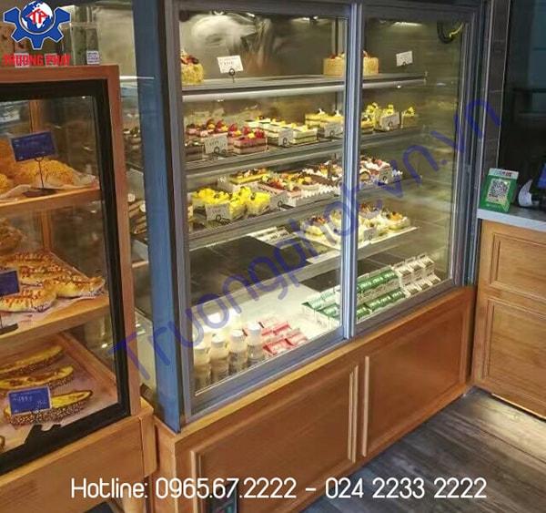 Giá tủ trưng bày bánh kem đa dạng theo các dòng sản phẩm với thiết kế khác nhau