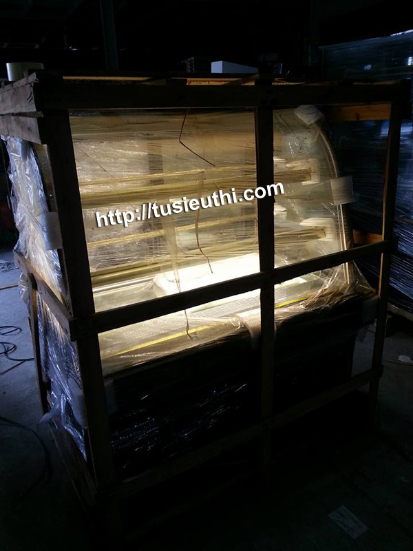 Tủ trưng bày bánh kem kính cong